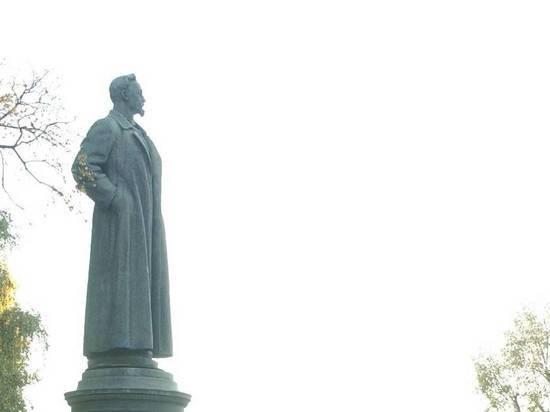 Лубянское побоище: кто победит в битве между Невским и Дзержинским