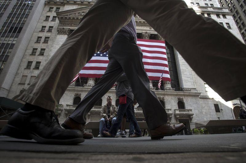 Уолл-Стрит открылась в минусе на росте доходности облигаций
