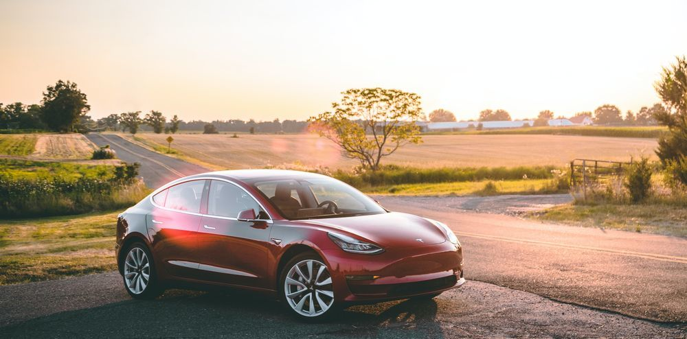 «Это было больно». Миллиардер Рон Бэрон продал 1,8 млн акций Tesla
