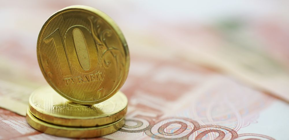 Годовщину падения рубль отметил уверенным укреплением
