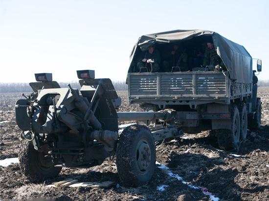 Зеленский направил в Донбасс танки, ДНР ответила артиллерией