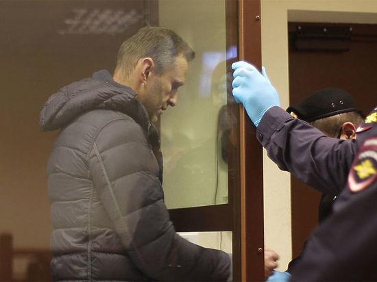 Отказ Навального участвовать в суде из колонии объяснили