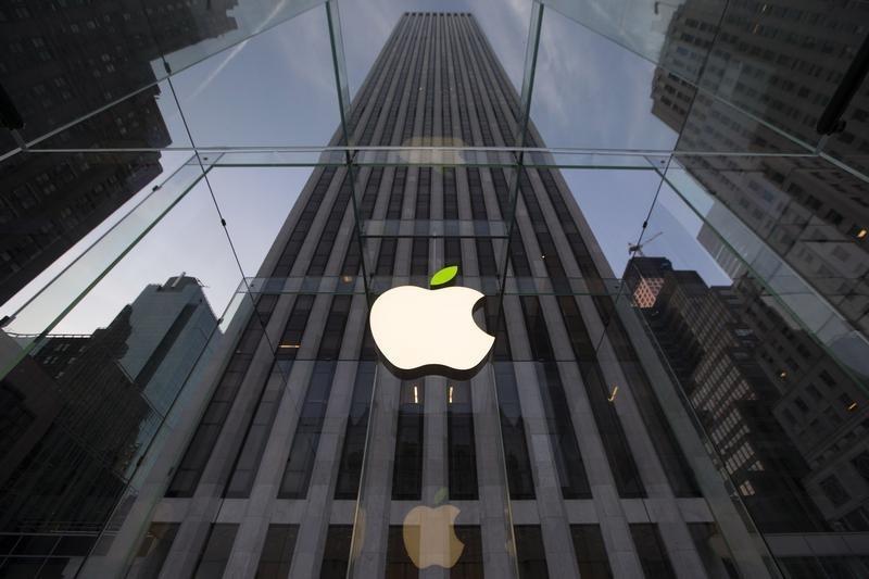 UBS: у акций Apple есть апсайд в 12%