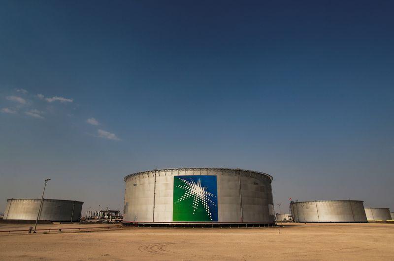 Aramco продаст долю в трубопроводах за $12,4 млрд