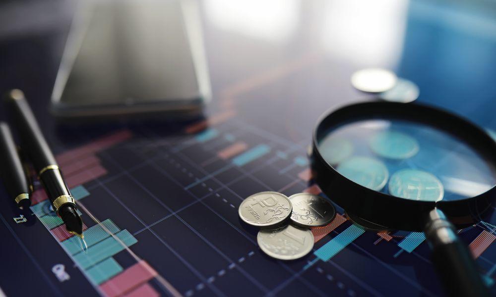 Рост рубля остановился из-за ухудшения ситуации на мировых рынках