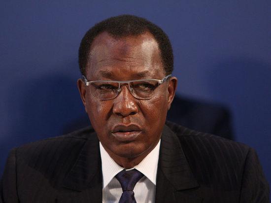 Убитого в бою избранного президента Чада заменит сын