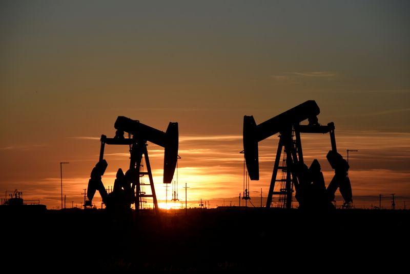 Нефть дорожает за счет оптимизма вокруг спроса