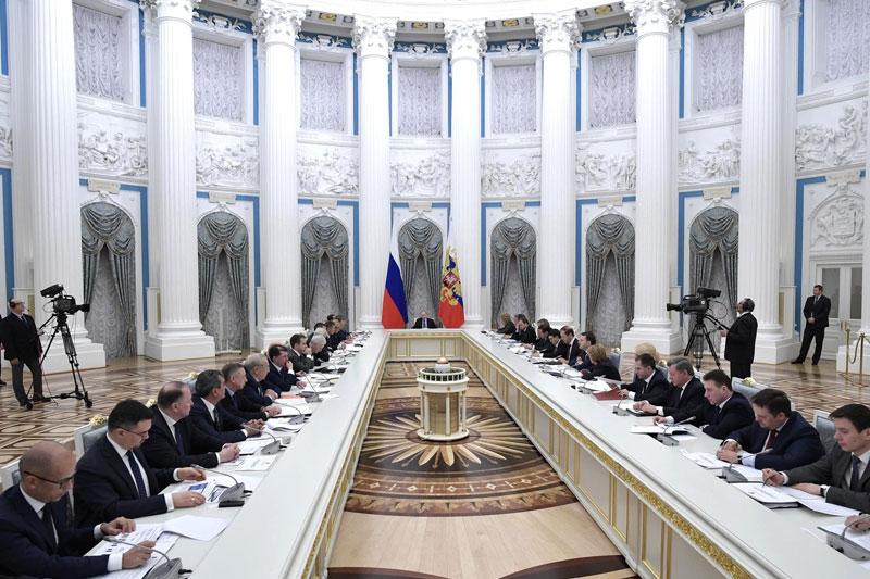 Путин утвердил перечень поручений кабмину по реализации Послания Федеральному Собранию