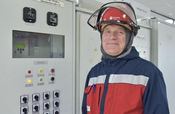 Сотрудник «Россети Тюмень» Иван Макеев получил почетное звание «Заслуженный энергетик»