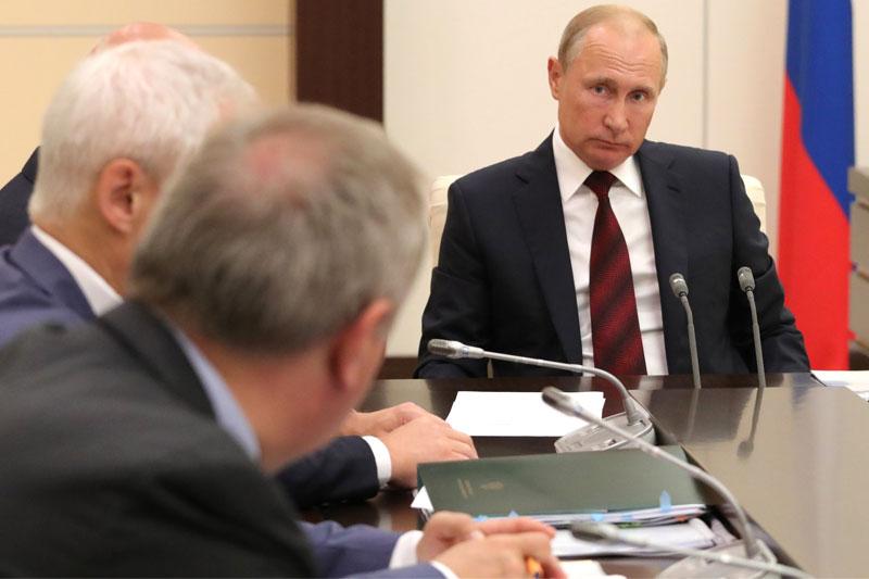 Путин призвал ФАС активнее мониторить ситуацию в торговых сетях