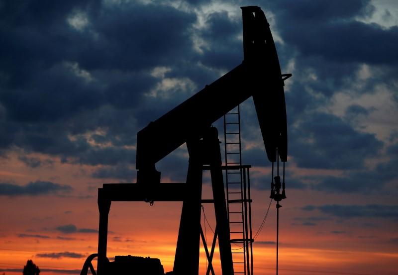 Добыча нефти в США в 2021г снизится меньше, чем прогнозировалось ранее -- EIA