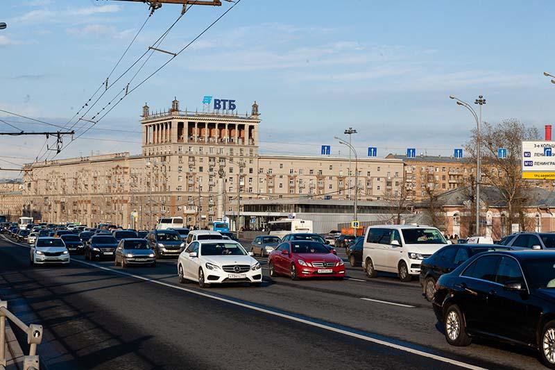ВТБ разместил 61,9% выпуска однодневных бондов серии КС-4-89 на 15,5 млрд рублей