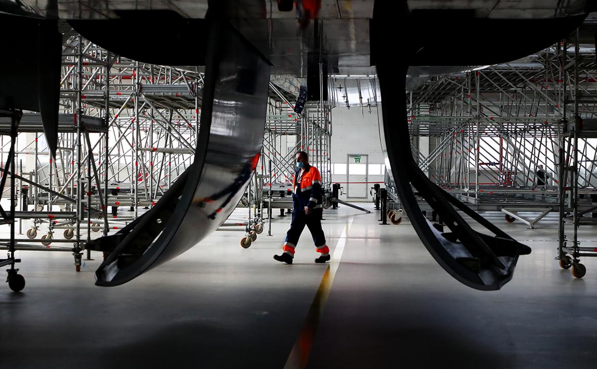 Власти призвали авиакомпании предусмотреть регистрацию самолетов в России