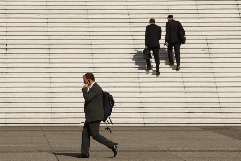 Безработица в странах ОЭСР в июле снизилась до 6,2%