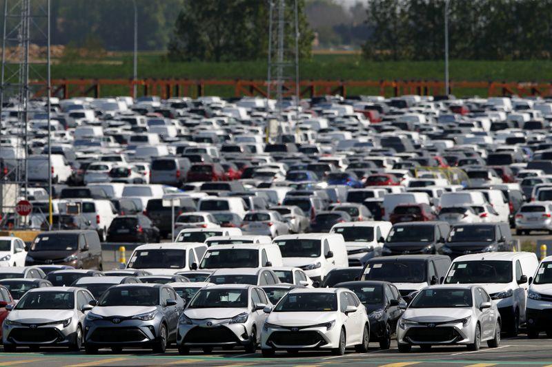 Toyota снизила целевой объем выпуска из-за нехватки микрочипов и комплектующих