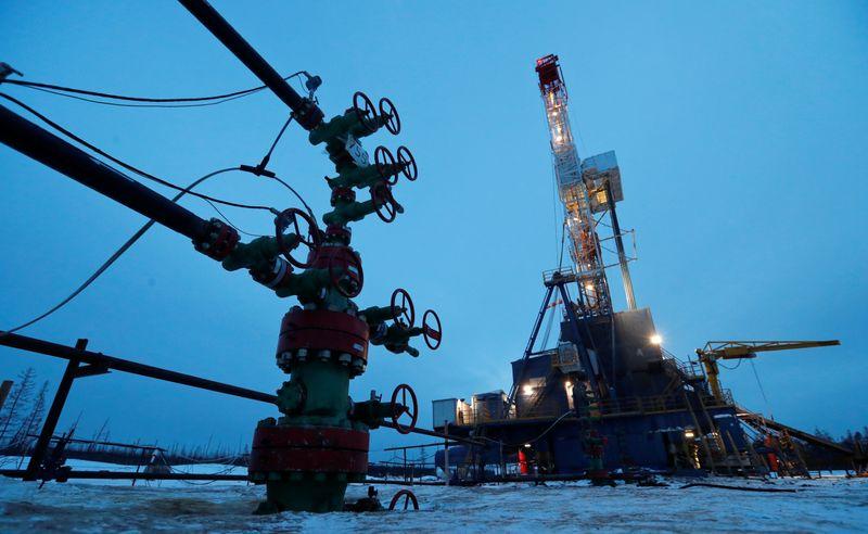 Российская нефть Urals плывет на спасение пострадавшего от урагана рынка США
