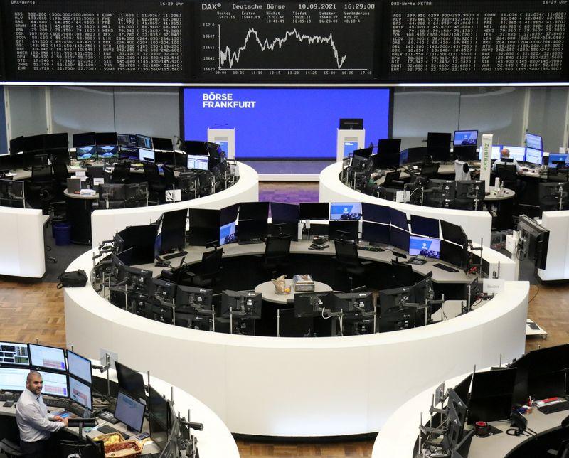 Европейские индексы растут благодаря автопроизводителям, банкам