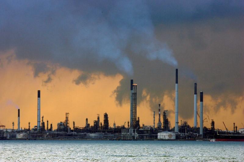 ОПЕК сохранила оценку роста спроса на нефть в 2021 году, повысила на 2022 год