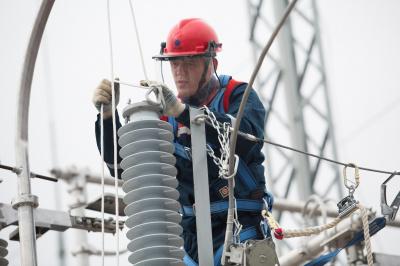 Компания «Россети Ленэнерго» повысила надежность электроснабжения почти 6 тысяч жителей Ленобласти