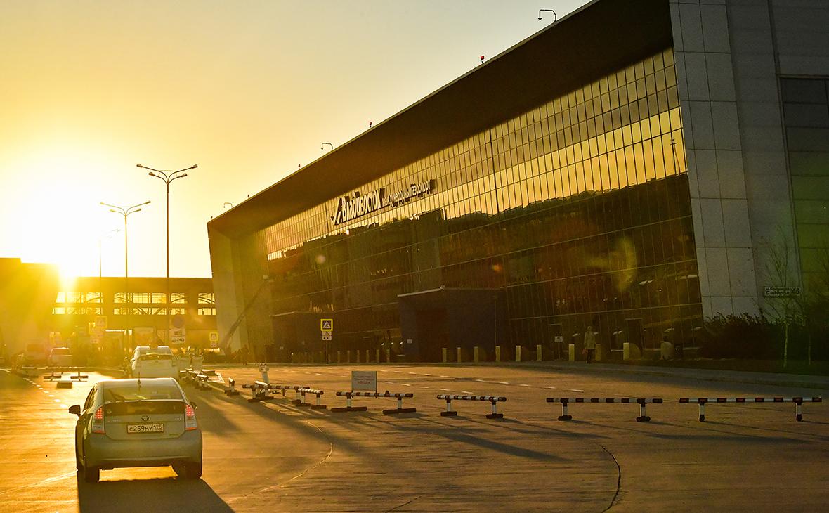 ФАС возбудила дело из-за цен на парковку в аэропорту Владивостока