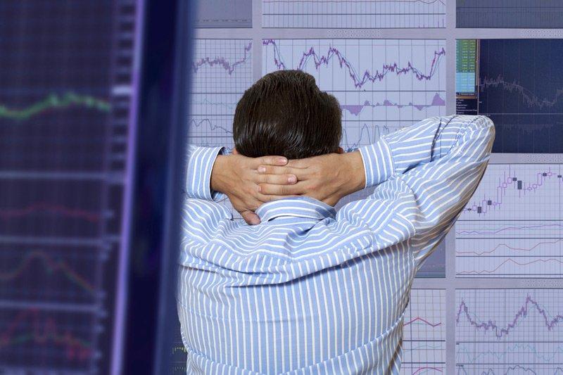 Рынок акций Московской биржи по состоянию на 13:00 мск 14 сентября растет