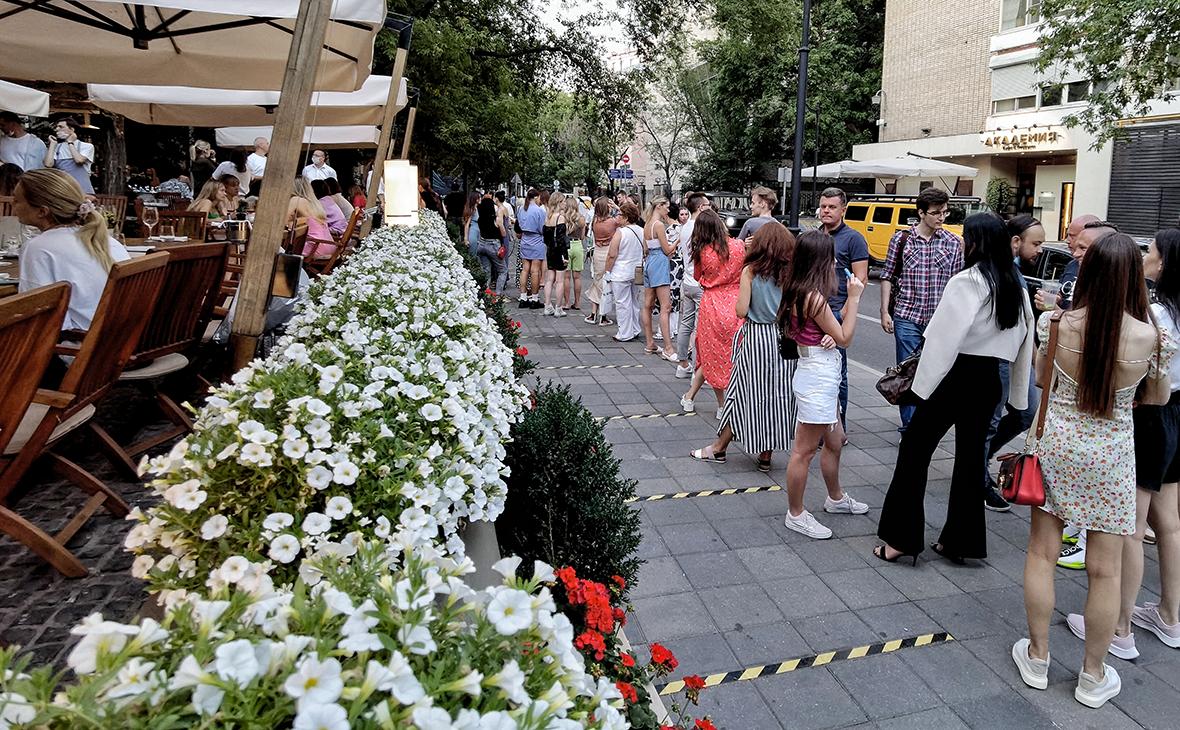 Статистика не заметила падения оборота общепита в Москве из-за QR-кодов
