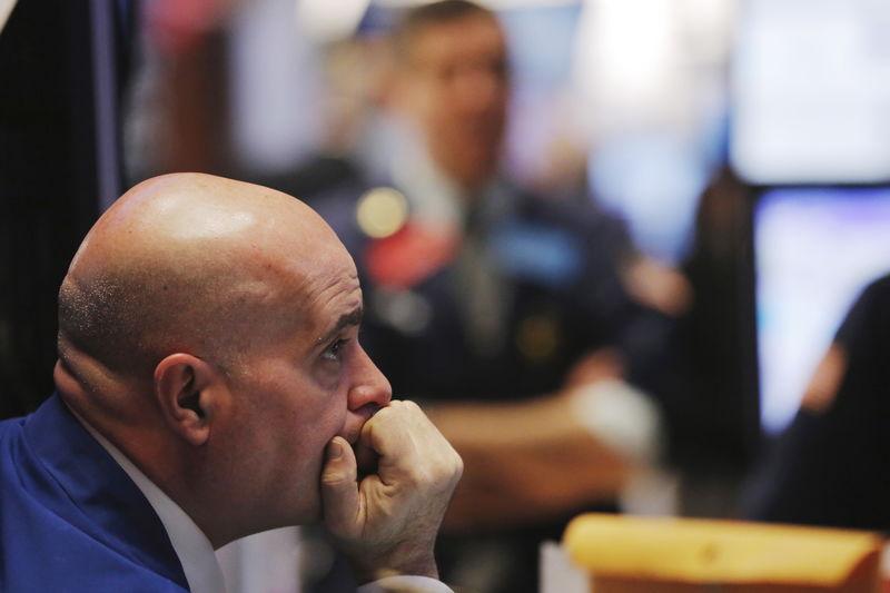 Фондовые индексы Европы снижаются в ходе торгов