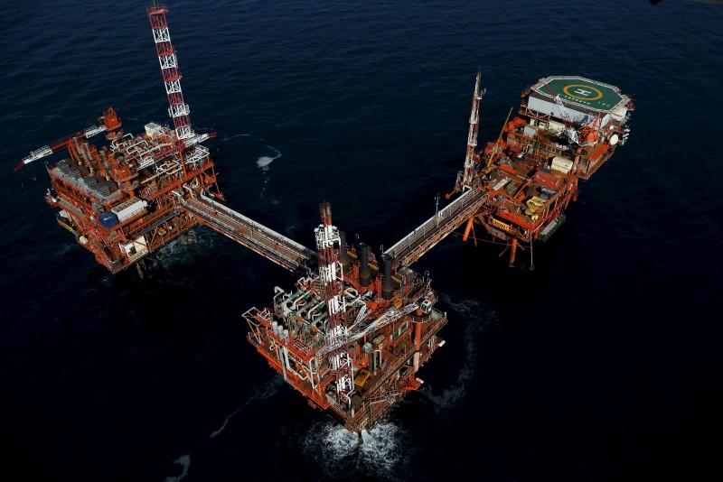 Цены на нефть растут после трех сессий снижения