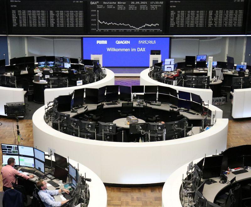 Европейские акции оправились после худшей сессии 2 мес, UMG празднует дебют
