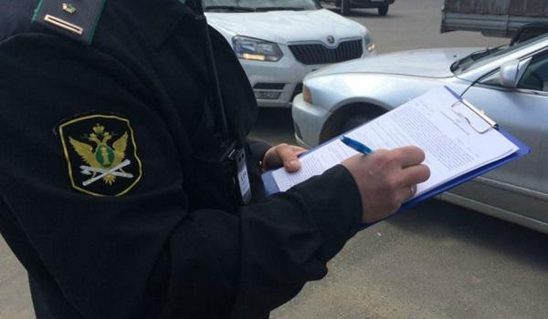 В Приморье разыскивают более 800 автомобилей должников за тепло и свет