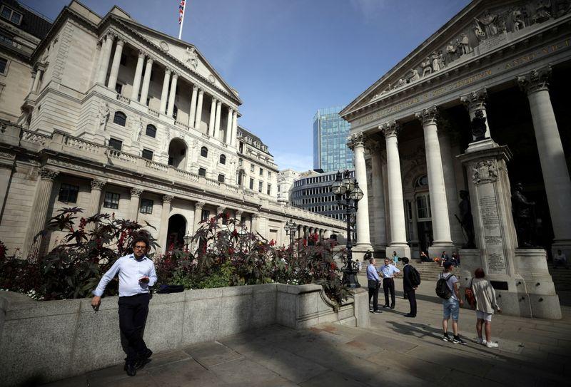 Банк Англии оставил процентную ставку без изменений на уровне 0,1%