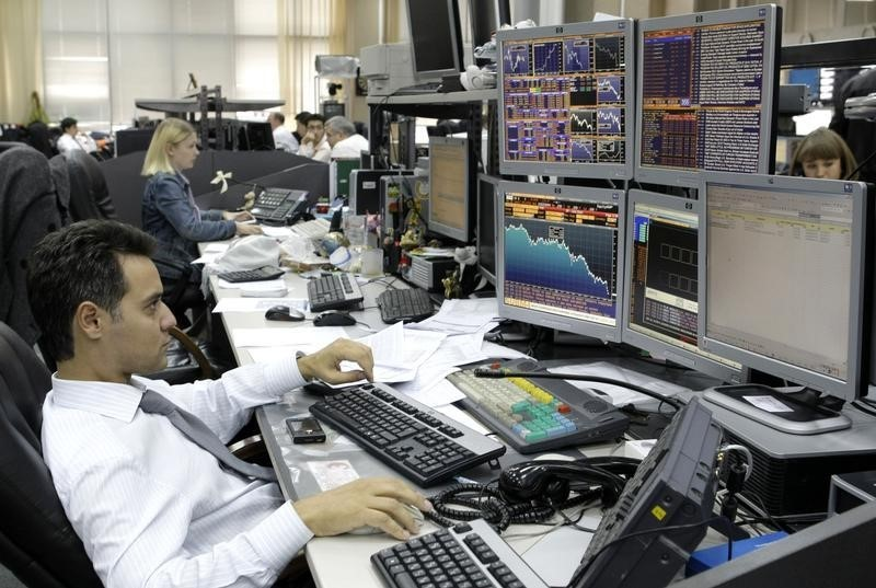 Угроза санкций вызвала распродажу российского госдолга
