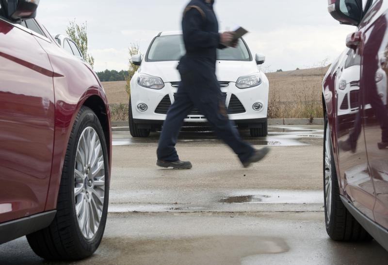 Российские промпредприятия должны увеличивать выпуск автомобилей на метане - Зубков