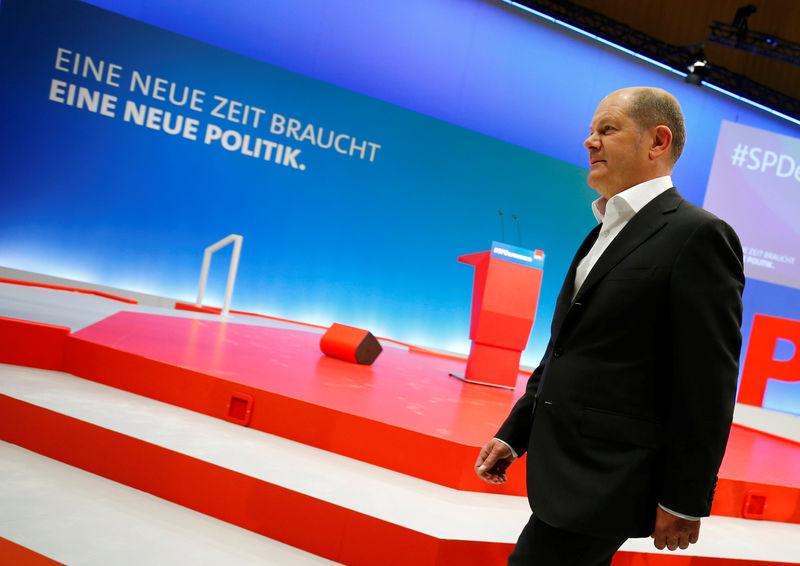 Евро не изменился на фоне напряженных выборов в Германии