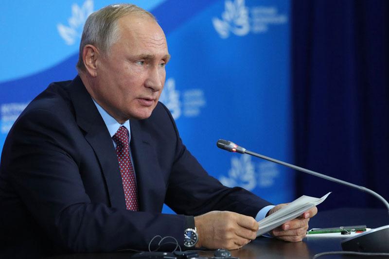 В РФ при выработке основ стратегического планирования нужно применять лучший зарубежный опыт, считает Путин