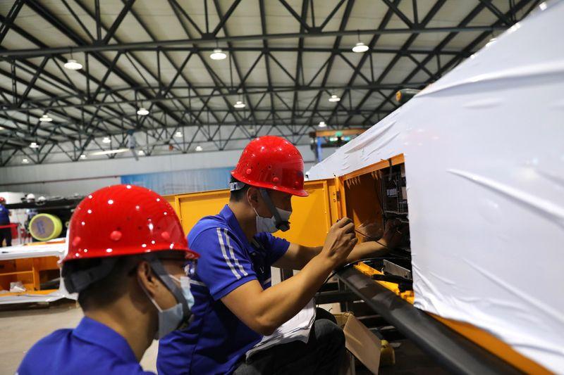 Рост промышленной прибыли в Китае в августе замедлился 6 мес подряд