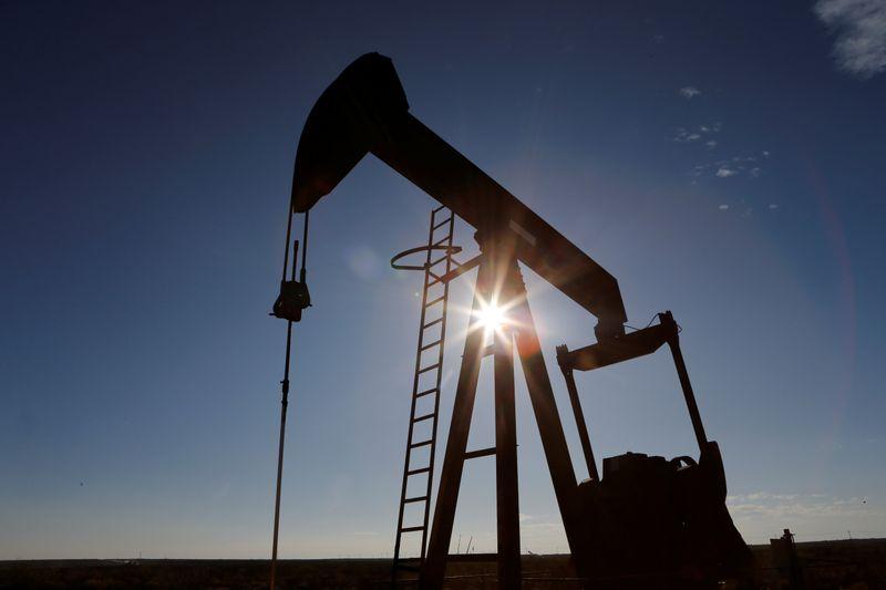 Barclays повышает прогноз цен на нефть на 2022г из-за дефицита предложения