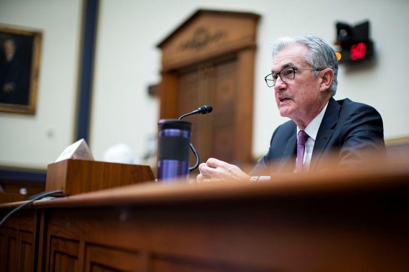 Пауэлл пообещал подбирать кандидатов разного происхождения в руководство ФРС