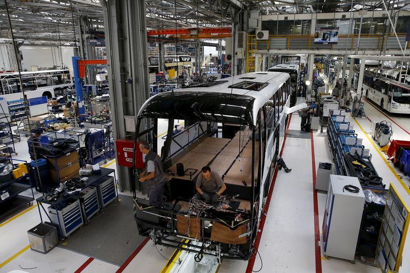 Эксперты прогнозируют снижение продаж автомобилей в США в 3-м квартале на 14%