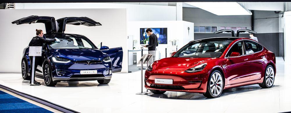 Tesla ставит рекорды по поставкам. Какой прогноз на IV квартал