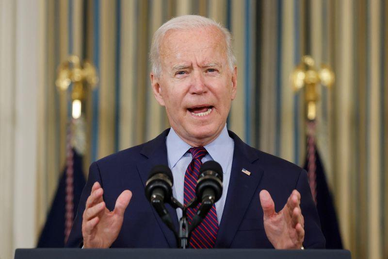 Байден предупредил о риске дефолта США по госдолгу из-за противодействия республиканцев