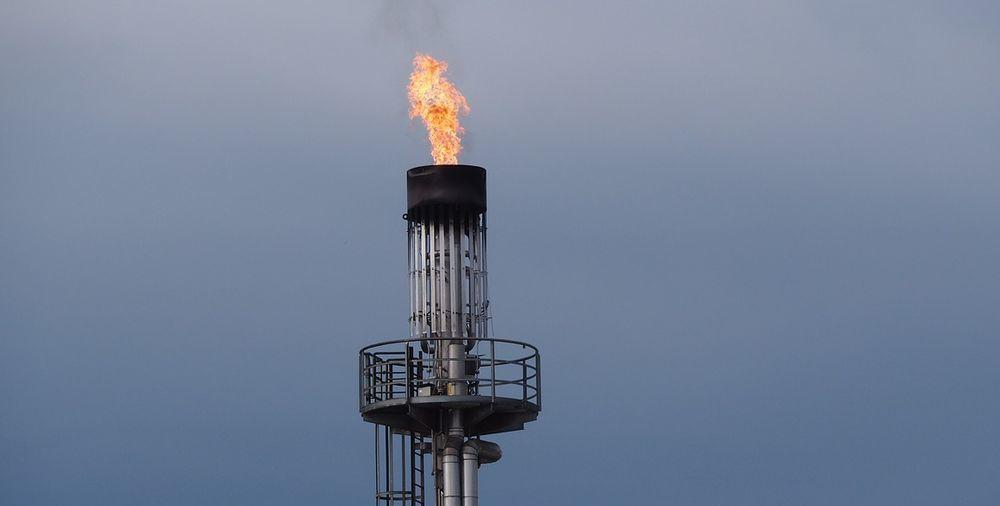 Цена на газ продолжает падать