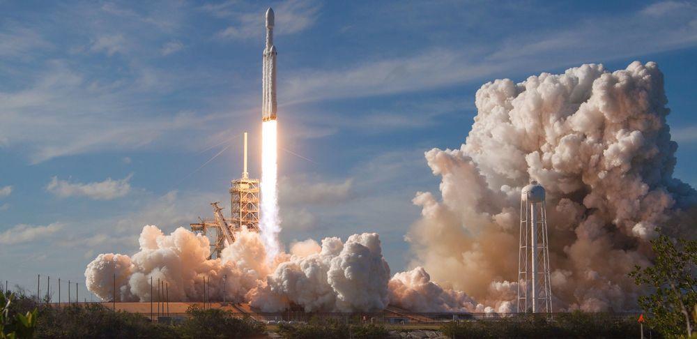 Космоnews: Маск, Капитан Кирк и паруса