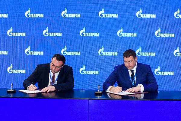 «Газпром» договорился о дальнейшем развитии газомоторной инфраструктуры в четырех регионах РФ