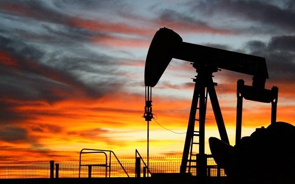 Нефть продолжает дорожать на фоне взлета цен на газ