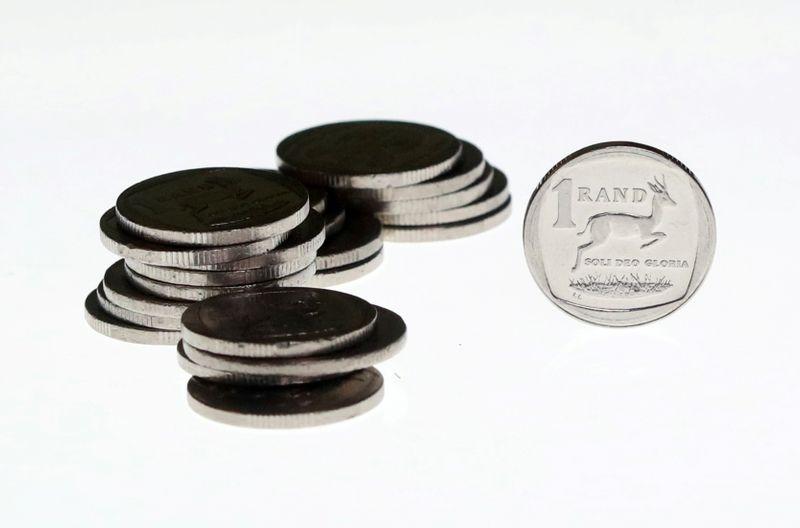 Лира возглавила снижение среди EM-валют на фоне энергетического кризиса