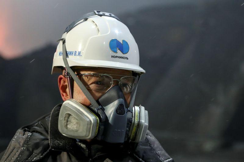 Норникель сможет разобраться с подтоплением в двух рудниках, но непонятно когда -- эксперты