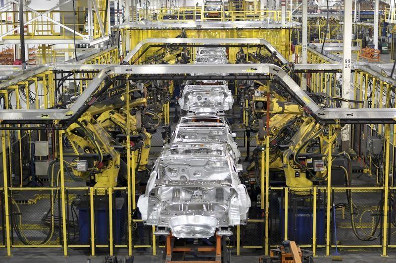 В феврале продажи автомобилей в КНР взлетели в 4,7 раза, за 2 месяца - на 76%