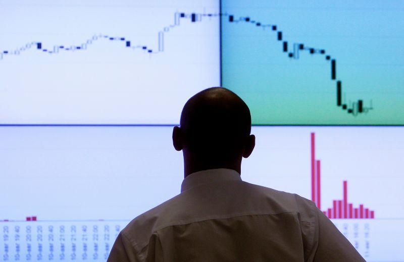 Клиенты Фридом Финанс из Казахстана получили доступ к российским биржам
