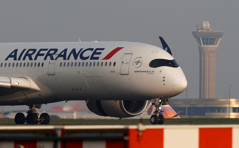 Франция станет крупнейшим акционером Air France, увеличив долю вдвое